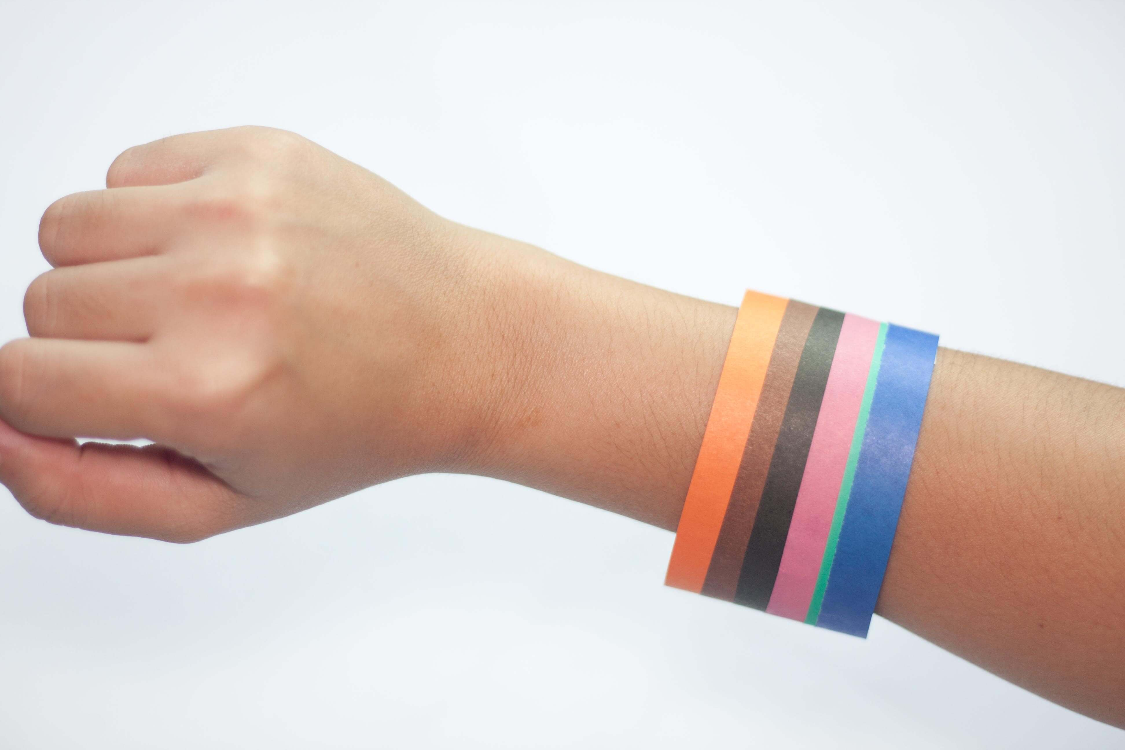 Make-a-Wristband-Out-of-Paper-Step-5